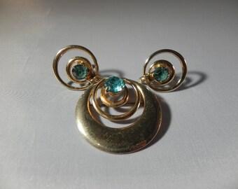 Vintage Pin/Pendant & Screw Back Earrings Circle Goldtone Metal Aqua Crystals