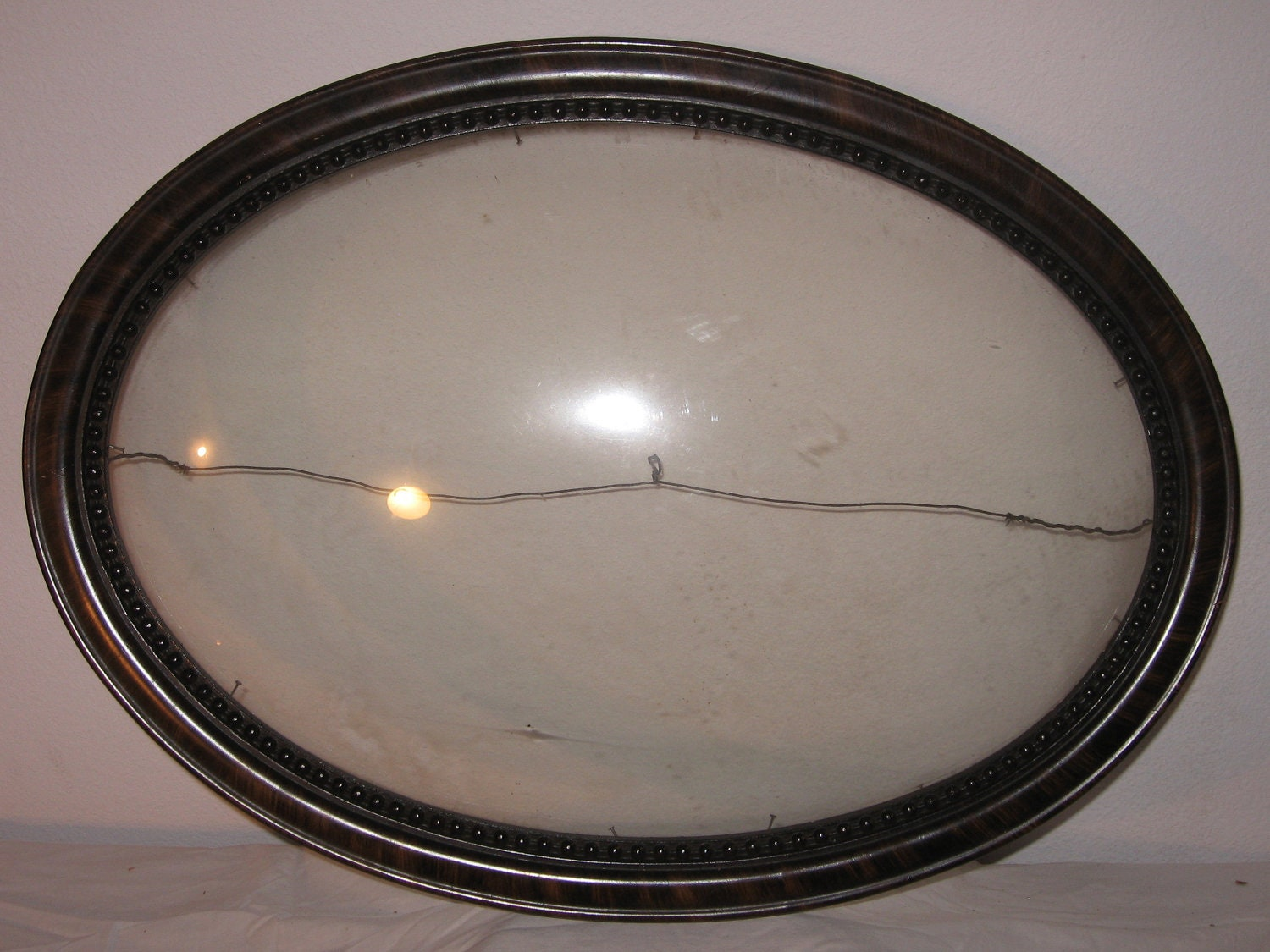 Wood Picture Frame With Curved Glass Oval Antique Vintage