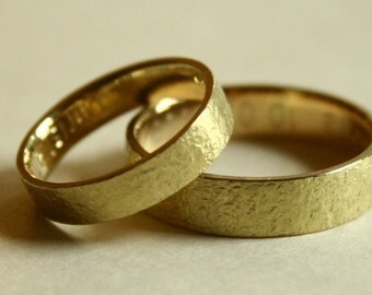 Pair of WEDDING BANDS made of 18k yellow gold