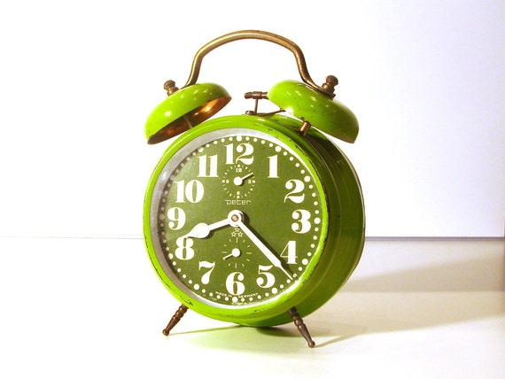 Amazing vintage green apple bell alarm clock peter st for Amazing alarm clocks
