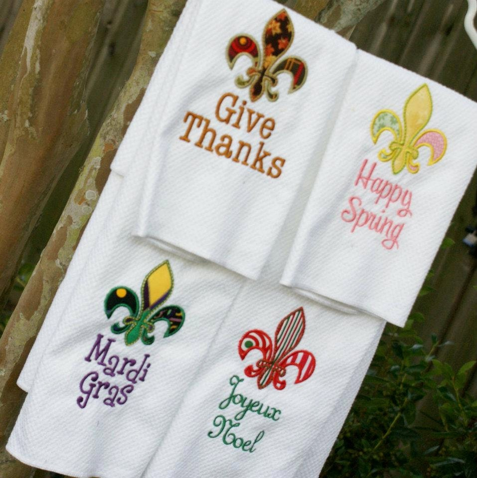 Fleur De Lis Holiday Kitchen Towel Set Of 3