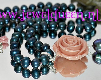 new hand knotted Black Pearl Necklace with pendant of large rose