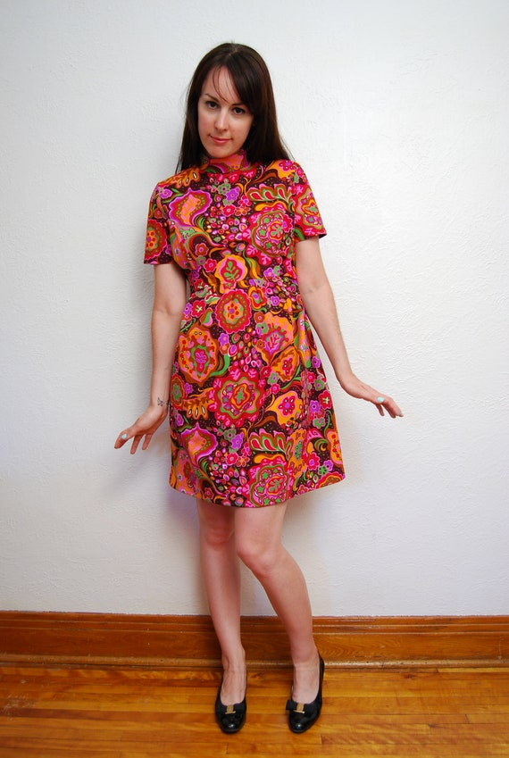 1970s / floral / psychedelic mod dress / empire waist / baby doll / S-M