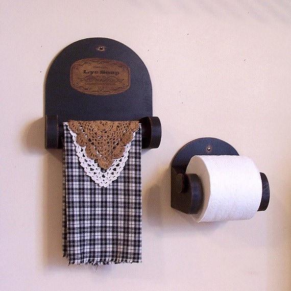 Primitive Bathroom Storage Towel Shelf And Toilet Paper