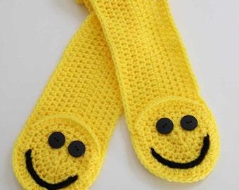 Smiley Pocket Scarf Crochet Pattern PDF