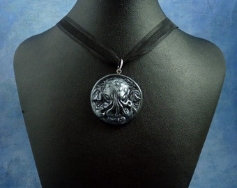 Antique Silver Small Cthulhu Cameo Necklace, Polymer Clay Lovecraft Jewelry