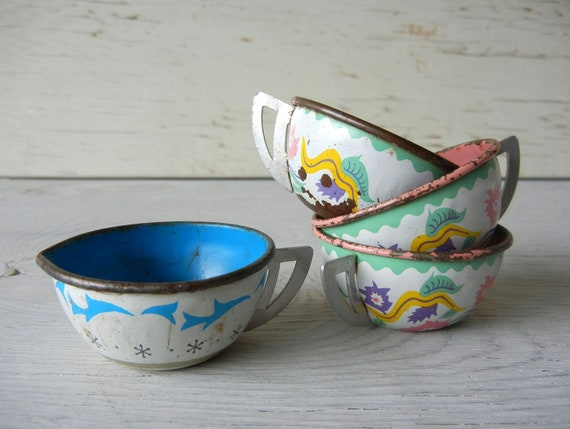 Vintage Tin Toy Tea Cups and Creamer from Ohio Art