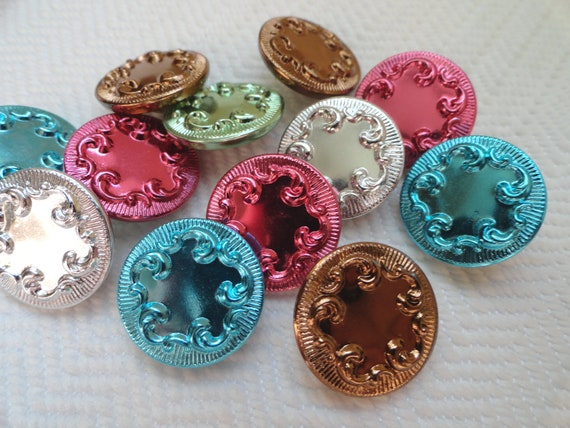 21 Vintage Buttons - Colorful Metal