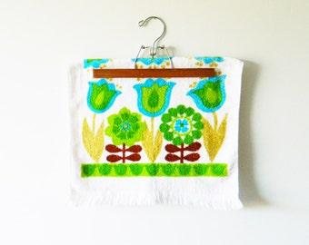 Mod Vintage Floral Hand Towel / Vintage Dish Towel / Scandinavian Floral Towel