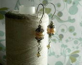 HALF PRICE - Ghostly Victorian - peach pearl earrings / victorian earrings / peach earrings / champagne earrings / bridal earrings