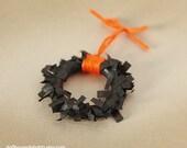 Miniature Dollhouse Halloween Wreath, Black, Orange, Spooky, Scale One Inch, 1:12 scale, Holiday Decor, Mini Wreath