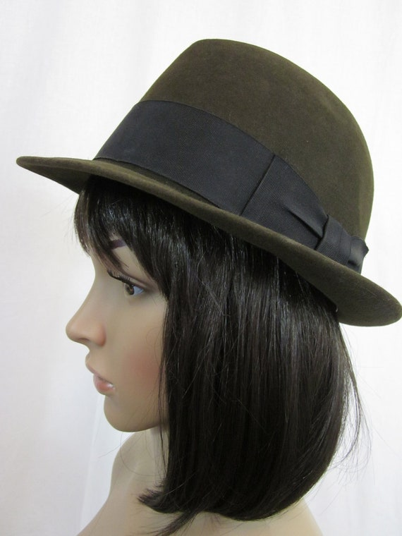 1960s Mens Brown Fedora with Black Band