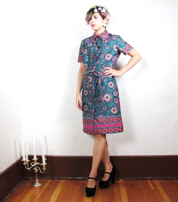 S A L E  Psychedelic 60s Print Shirtdress (S/M)