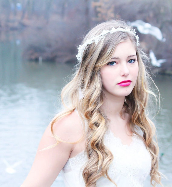 bridal headband, wedding accessories, ivory Hair Crown, White wedding hair piece, woodland tiara, bridal head piece