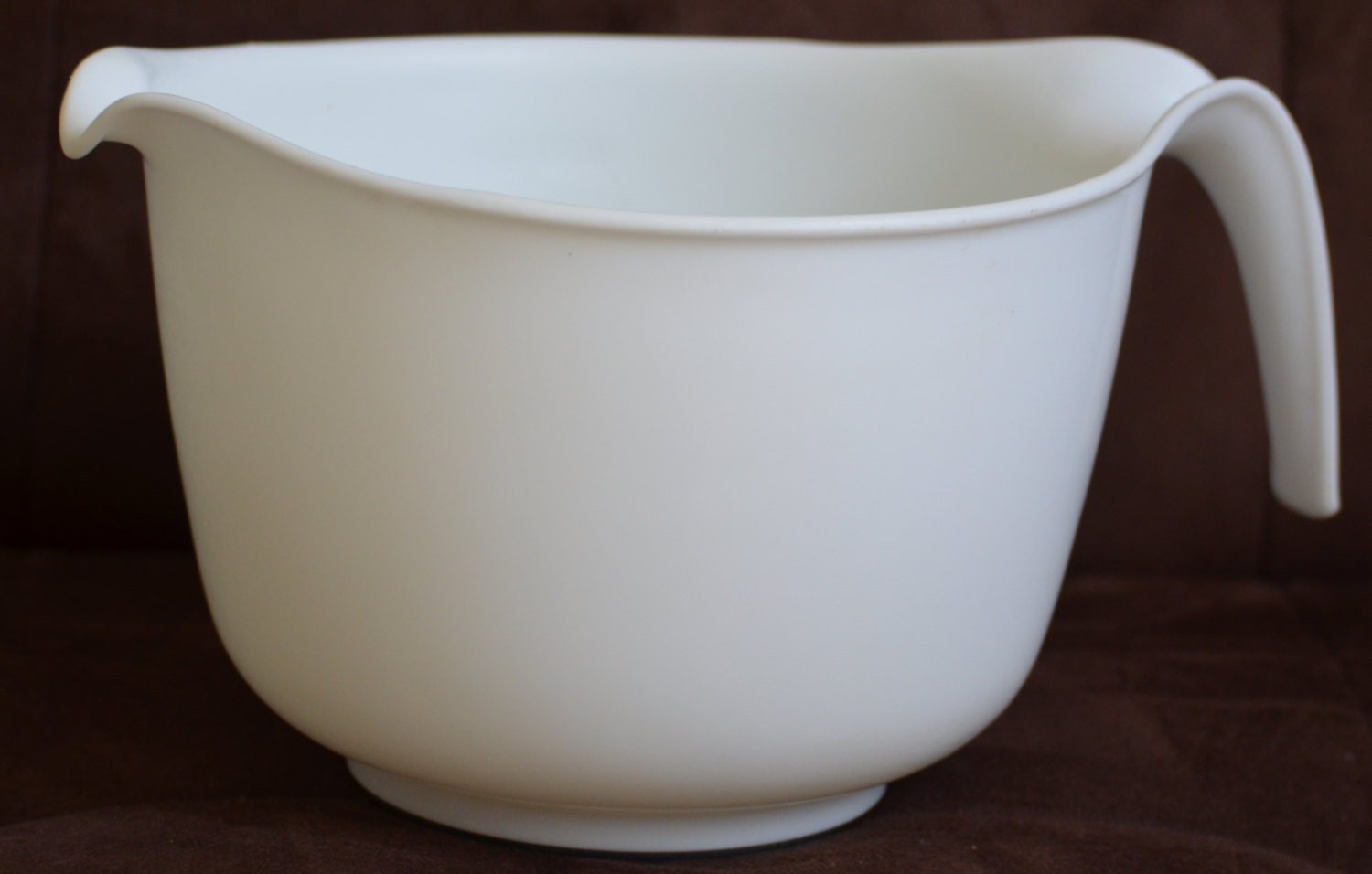 Vintage 3 qt 12 cup White Batter Bowl Mixing by