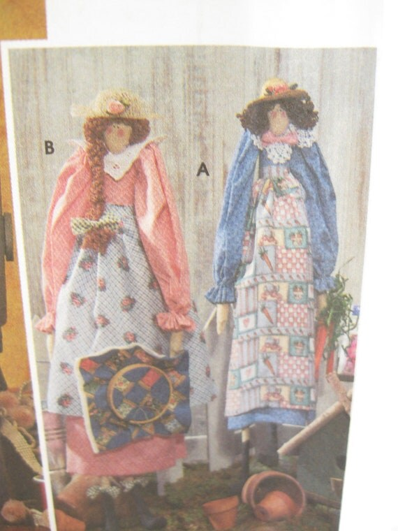 Simplicity 8161 Primitive Doll Sewing Pattern with Clothing