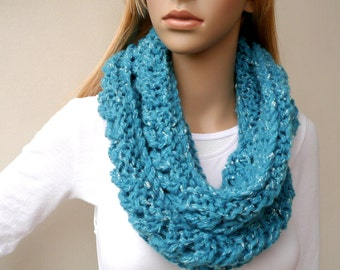 Blue Circle scarf - Infinity Cowl Scarf -  Chunky Hand Knit infinity scarf in Turquoise - Loop Scarf Cowl