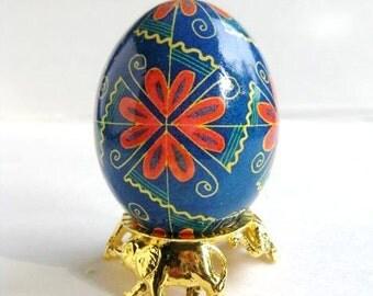 Pysanka egg, batik egg on chicken egg shell, Ukrainian Easter egg, hand painted egg