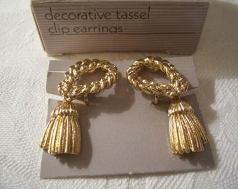 Braided Rope Loop Tassel Dangles Clip On Earrings Gold Tone Vintage Long Textured Decorative Brushed