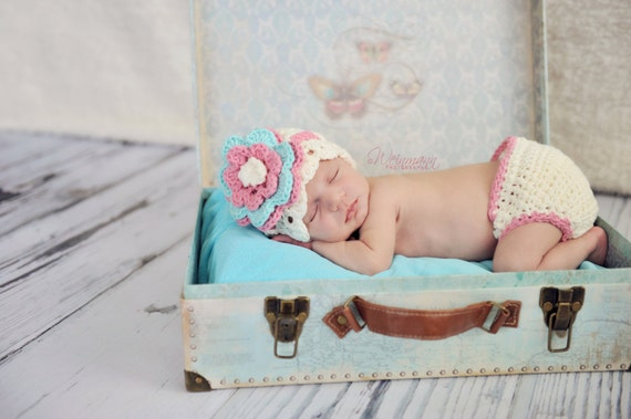 hat and diaper cover, photo prop, crochet newborn hat, crochet diaper cover, diaper cover set, crochet hat, photo prop, baby shower gift