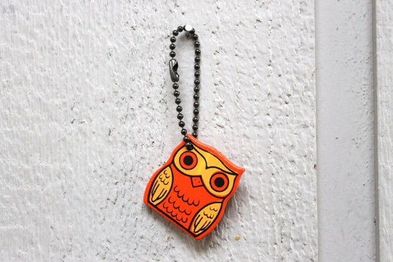 CLEARANCE Vintage 1970s Orange and Yellow Wooden Owl Keychain