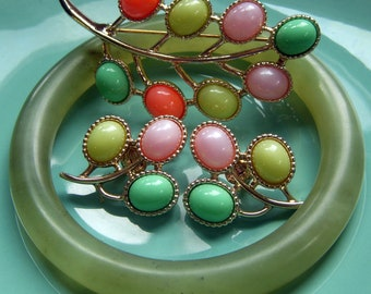 Sarah Coventry Candyland Brooch and Earrings Set