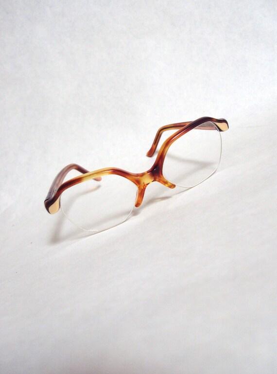1960s Ginger tortoiseshell effect lucite spectacle frames
