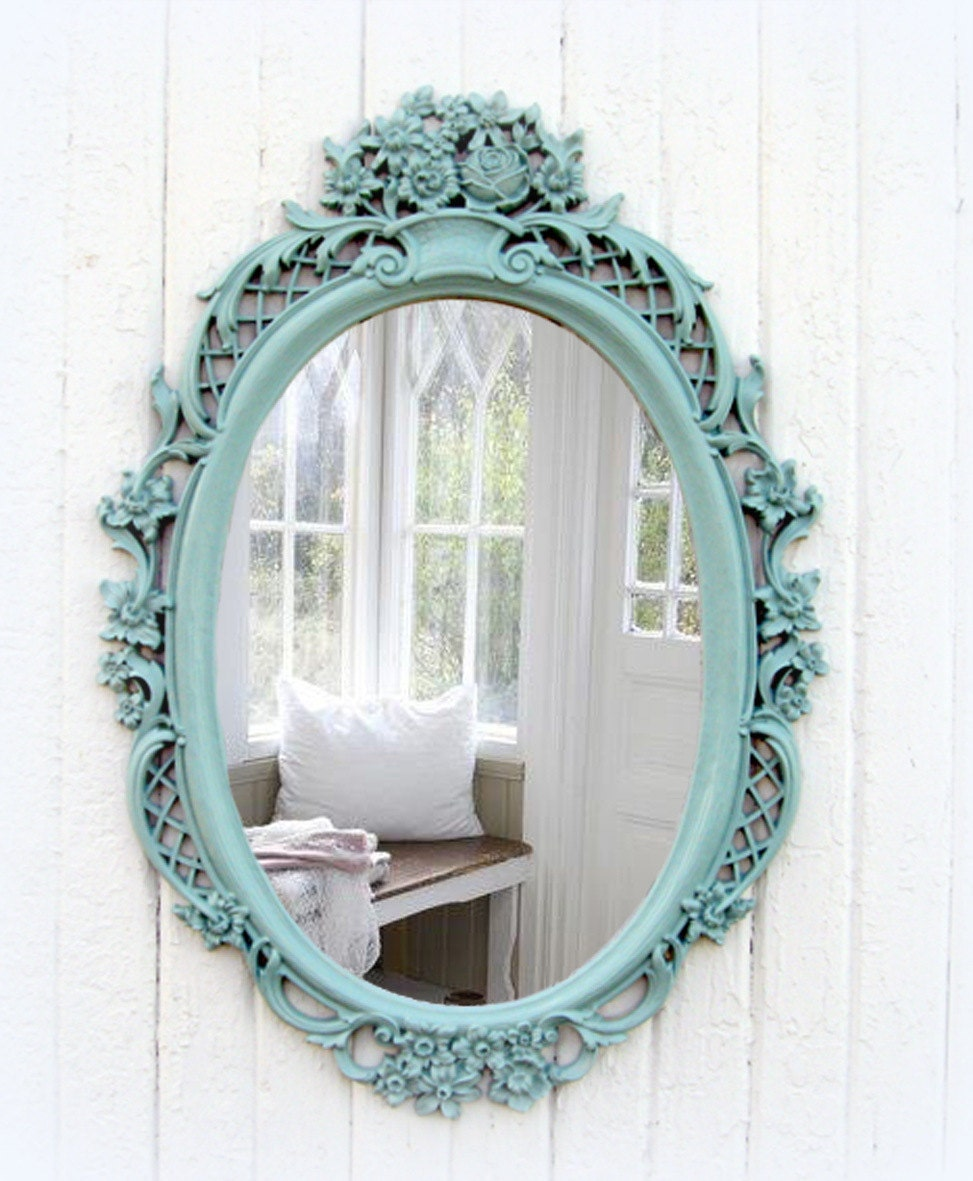 Vintage mint oval mirror shabby chic beach cottage for Espejo retro