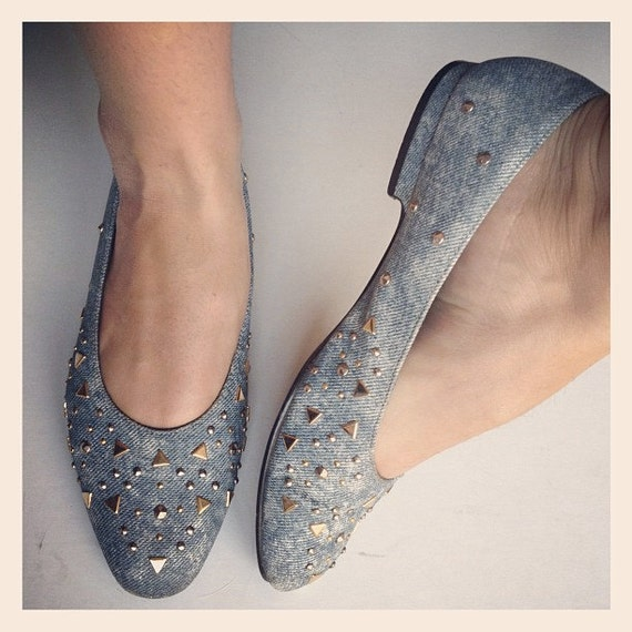 SALE // Acid Wash Denim Studded Vintage Flats // 7