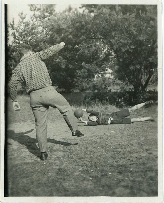 """Vintage Photo """"Ball Time with Dad"""", Photography, Paper Ephemera, Snapshot, Old Photo, Collectibles - 0040"""