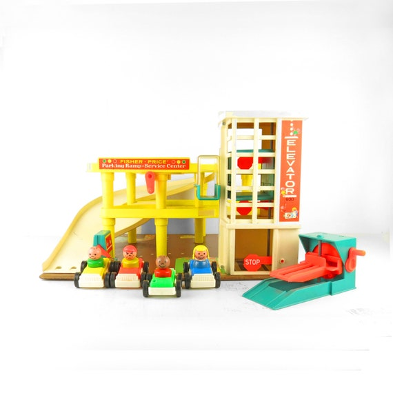 1973 Fisher Price Little People Garage Play Set With By