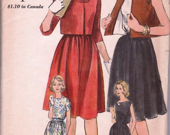 1961 Misses' Jacket, Skirt and Blouse  Vogue 5296 Size 12  Bust 32