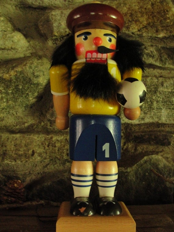 Vintage Ulbricht soccer/volleyball player nutcracker