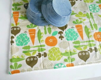 Dish Mat / Drying Towel in Vegetable Garden Print/ Dish Drainer/ Great Christmas Gift
