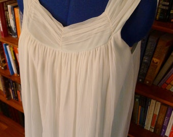 GRECIAN BABYDOLL-- Sexy Little 1950s 'Charmode' Shortie Nightgown with Draping--S
