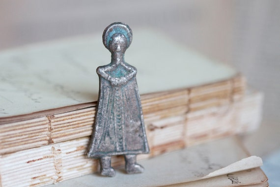 Antique Religious Figure - Striking Cabochon - Jewelry assemblage altered arts