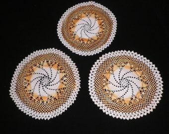 Vintage Orange and White Pinwheel Doilies , Vintage Linens, Vintage Doilies, Grandma's Doilies