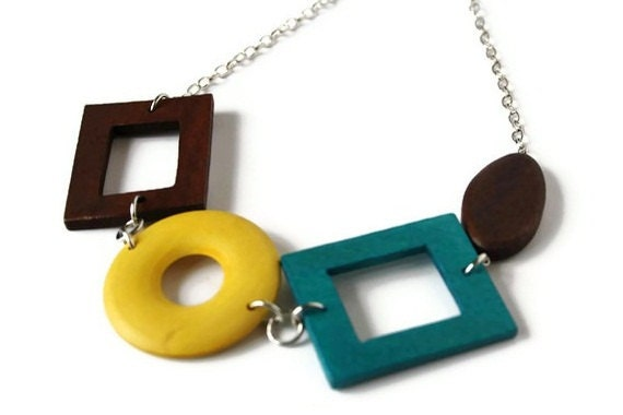 Chunky wood necklace mustard yellow necklace fall fashion for Mustard colored costume jewelry