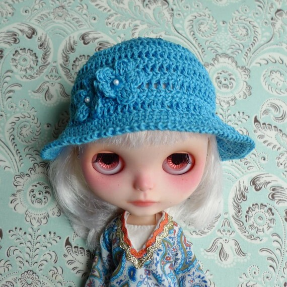 """SALE % Sweet Blue Crochet Summer Hat with Flowers for 12"""" Blythe"""