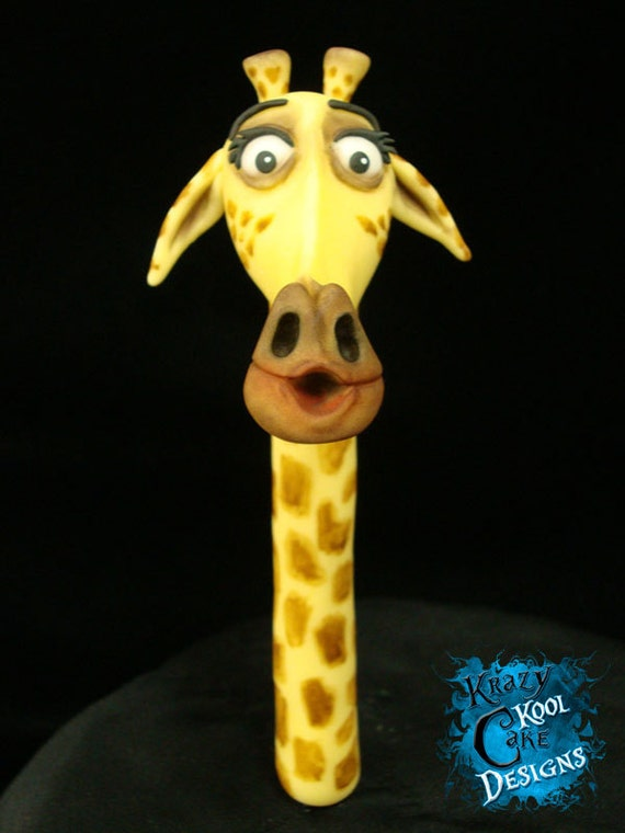 Items similar to melman the giraffe cake topper from - Girafe madagascar ...