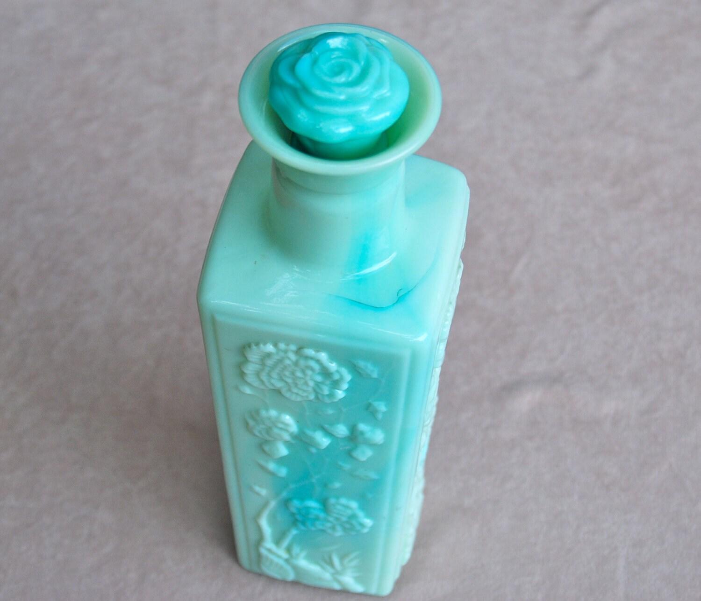 Vintage liquor decanter vase jade green with rose stopper for Liquor bottle vases