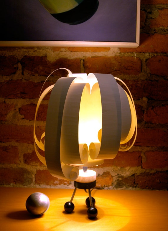 Fun curly table lamp, the Olde Bailey