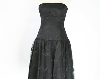 Gunne Sax by Jessica McClintock - Black Strapless Lace Dress - Size 2 or 4