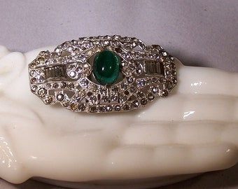 Stunning Vintage Deco Fur Clip Emerald Green and Clear Rhinestones