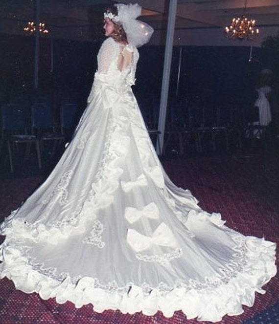 Vintage Wedding Gown by Salina Store Sample Never Worn size 12