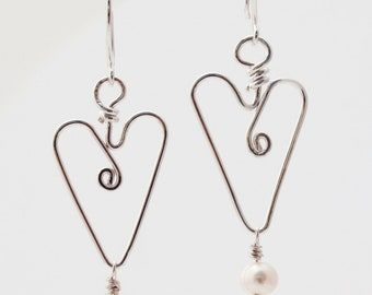 Heart earrings with freshwater pearls