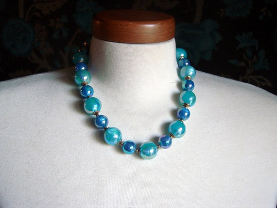 Womans Vintage Beaded Necklace / Chunky Mid Century Moonglow Blue Teal / Beaded Lucite Necklace