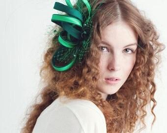 LADY EMERALD fascinator, ribbon fascinator, green fascinator, emerald fascinator, wedding fascinator, bridal fascinator, bridemaid headpiece