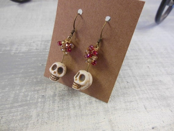 SALE - Dainty Skull EARRINGS - Red and Gold Czech clustered beads, Dia de los muertos - Halloween Jewelry