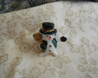 Christmas Snowman Tac Pin, Vintage Christmas Costume Jewelry, Holiday Jewelry, Tie Tac Coat Pin ~ BreezyTownship.etsy.com